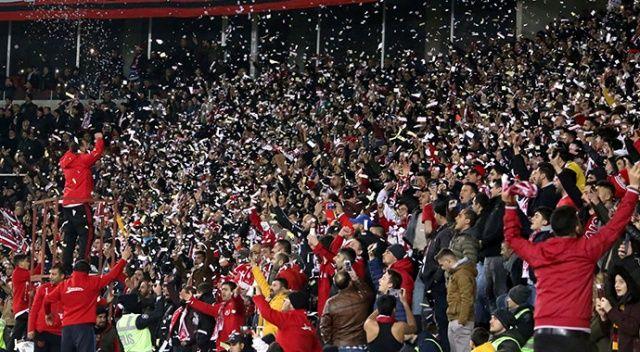 Sivasspor taraftarının Pato çılgınlığı!