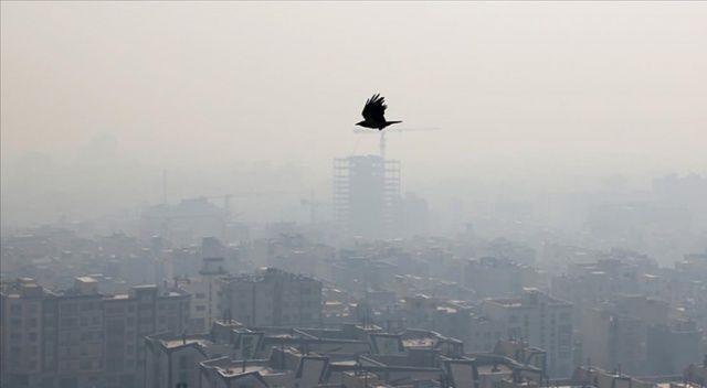 """Tahran'da hava kirliliği """"kırmızı alarm"""" seviyesinde"""