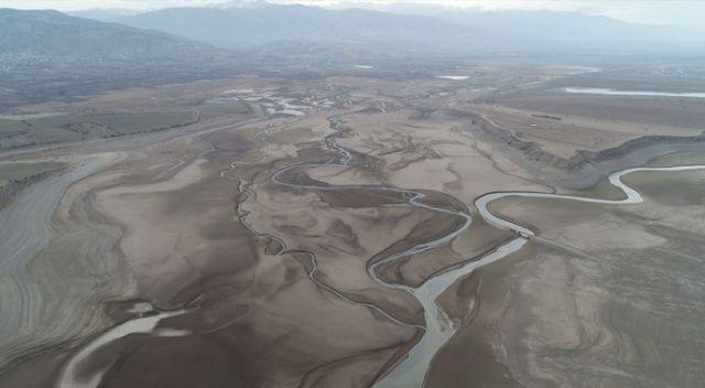 Ürküten görüntü, barajdan geriye nehir yatağı kaldı