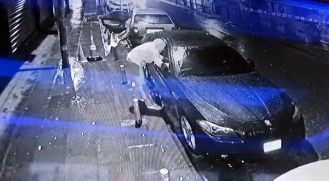 Vatandaşın gözü önünde lüks aracı soydular