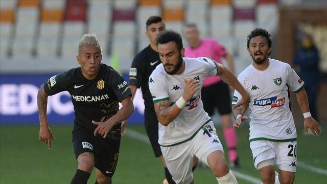 Yeni Malatyaspor Perulu futbolcu Cueva ile yollarını ayırdı