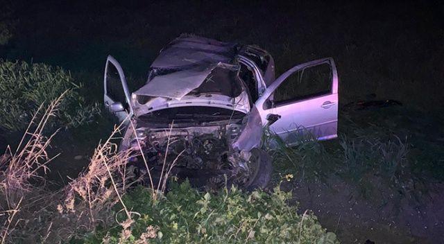 otomobil elektrik direğine çarptı: 1 ölü, 2 yaralı ile ilgili görsel sonucu