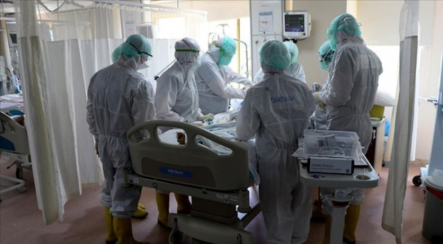 Almanya'da son 24 saatte korona virüsten 490 ölüm