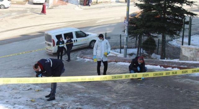 Ankara'da bir kadın sokak ortasında vurularak hayatını kaybetti