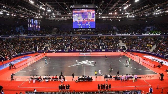 Avrupa 19 yaş altı kadınlar ve erkekler futbol şampiyonaları iptal edildi