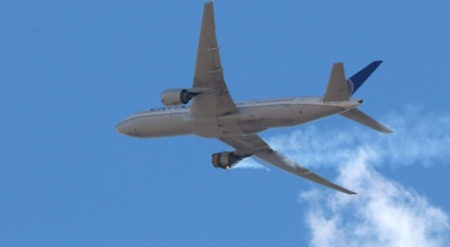 Boeing'den dünya genelinde 777 tipi yolcu uçaklarını indirme talebi