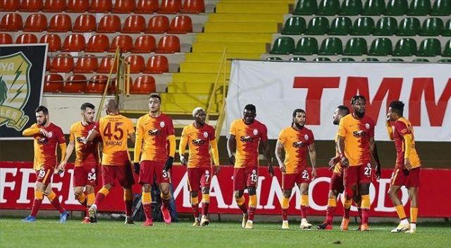 Galatasaray savunmasıyla Süper Lig'in zirvesinde