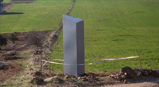Göbeklitepe yakınlarındaki toprağa saplı bulunan gizemli metal blok kaldırıldı