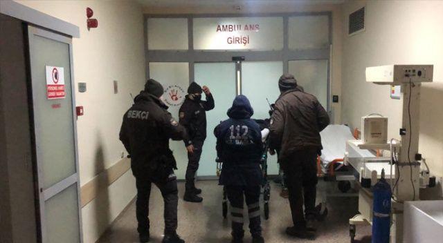 Gürültü ihbarına giden polis memurlarına bıçaklı saldırı