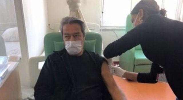 Kadir İnanır koronavirüs aşısı oldu