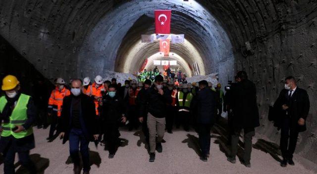 Karadeniz Bölgesi'nin İç Anadolu'ya açılan kapısı Kırkdilim Geçişi'ndeki 'T2 Tüneli'nde ışık göründü