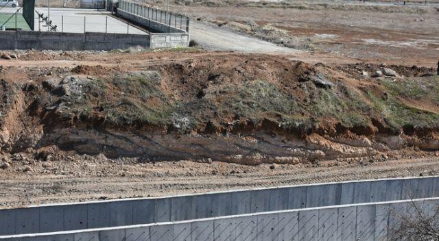 Malatya'da çocukken buldukları top mermisini gömen kişilerin ihbarıyla ortaya çıkarılan mermi imha edildi