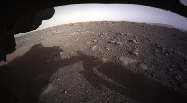 NASA, Perseverance'ın Mars'a inişinden 24 saat sonra yayımladı!