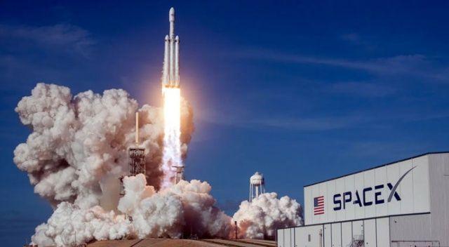 NASA: SpaceX aracı ile uzaya fırlatılan astronotlar 'uzayda kalma' rekoru kırdı