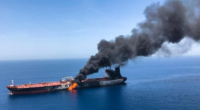 Umman Körfezi'nden geçen İsrail'e ait yük gemisinde patlama