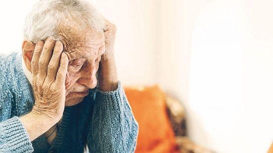 Alzheimer ve Demans Hastalarının diş tedavisi ertelenmemeli!