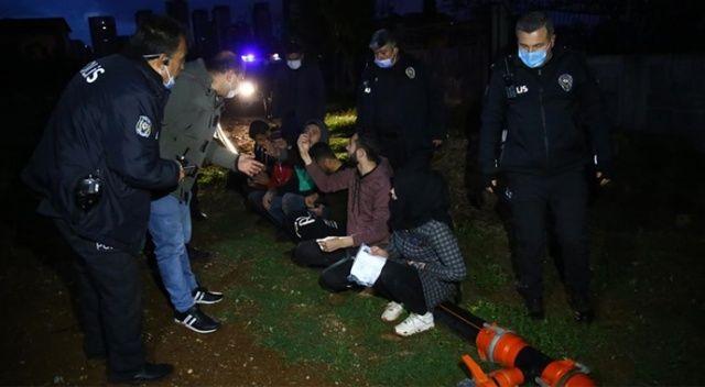 Adana'da polisten kaçmaya çalışan şüpheliler patates tarlasında yakalandı