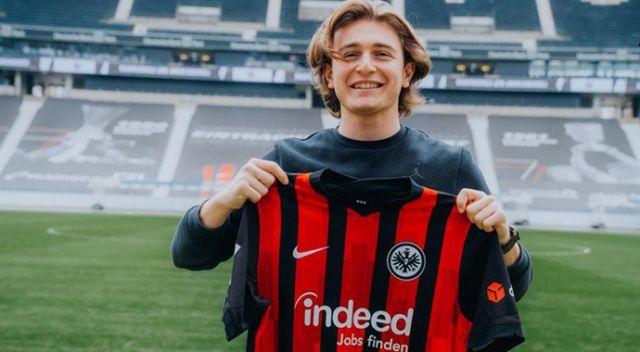 Ali Akman, Eintracht Frankfurt'la sözleşme imzaladı