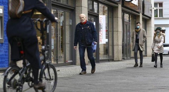 Almanya'da Covid-19 tedbirleri kademeli olarak gevşetiliyor