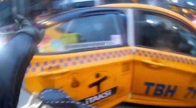 Beşiktaş'ta kapı açma kazası: Öfkelenen motosikletli yolculara bağırdı