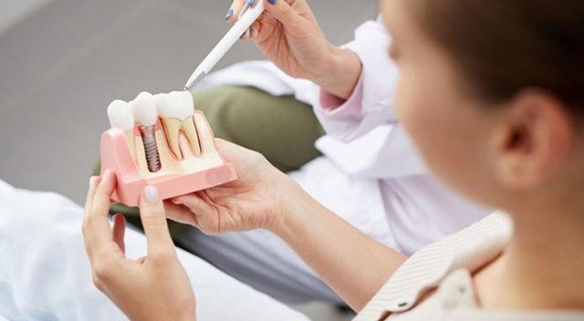 Çene kemiği eriyen hastalar da diş sağlığına kavuşabilir