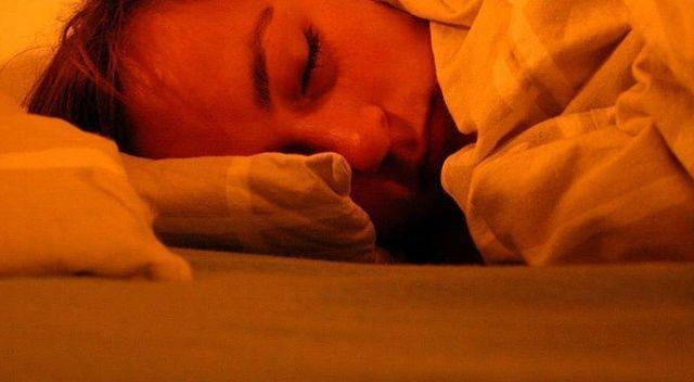 Covid-19 aşısı yaptıranlara 'düzenli uyku' önerisi