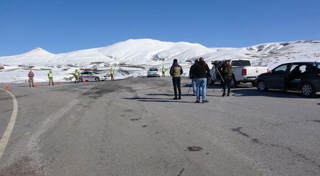 Helikopterin düştüğü köy girişlere kapatıldı