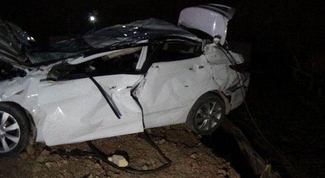 Korkunç kaza! Otomobil fabrikanın inşaatına uçtu: 2 ölü
