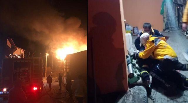 Korkutan ev yangını: İtfaiye eri hastaneye kaldırıldı