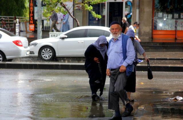 Marmara'nın doğu ve güneyi ile Ege'nin batısı için kuvvetli yağış uyarısı