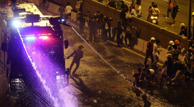 Tayland'daki gösterilerde 33 kişi yaralandı, 1 polis öldü