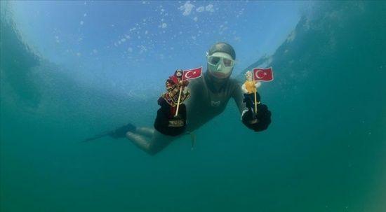 Serbest dalış rekortmeni Birgül Erken'den Sivas'ta 'Dünya Kadınlar Günü' dalışı