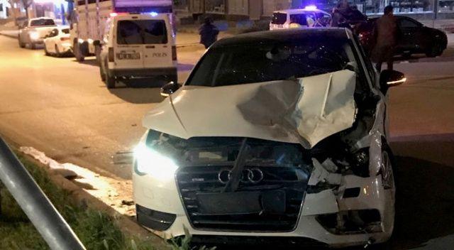 Adana'da 15 yaşındaki ehliyetsiz sürücü kaza yaptı
