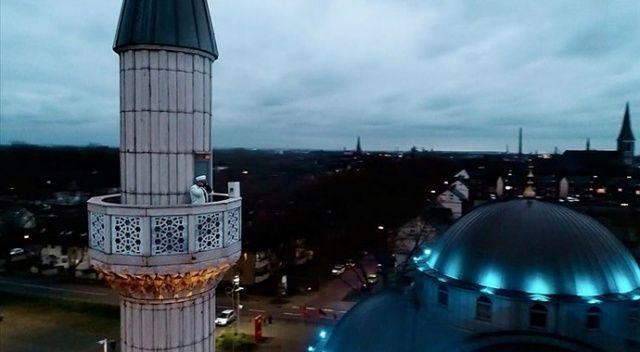 Almanya'nın Wuppertal kentinde cuma ezanı hoparlörle minareden okunmaya başlandı