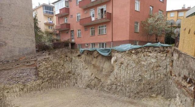 Ankara'da temelinde kayma oluşan Saadet apartmanı tahliye edildi