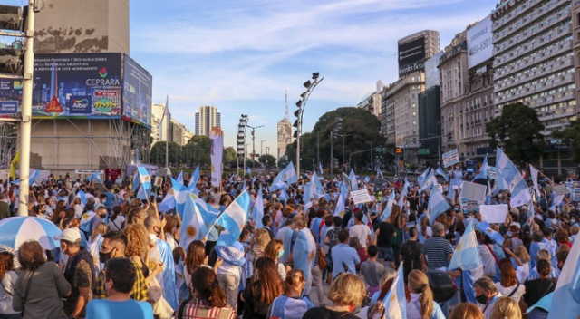 Arjantin'de 'yüz yüze eğitim' protestosu