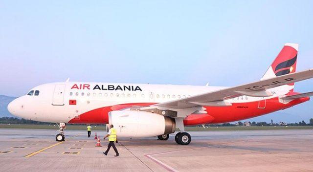 Arnavutluk'ta hava trafik kontrolörlerinin eylemi tüm uçuşları iptal ettirdi