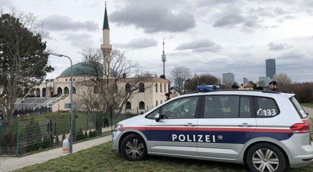 Avusturya'da terör saldırısıyla ilişkili olduğu iddiasıyla kapatılan cami yeniden açıldı