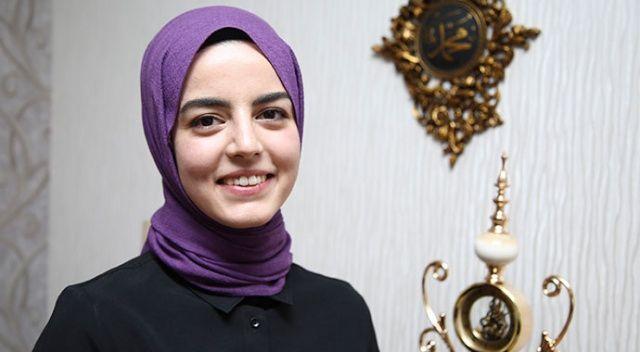 Bakan Koca'nın tweetini paylaştığı Sezgin: Fahrettin Koca devreye girip annemi ikna etti