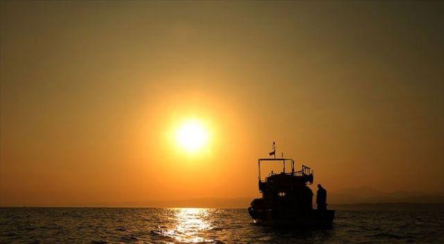 Bakan Pakdemirli: Balıkçılık av sezonu bu gece sona eriyor