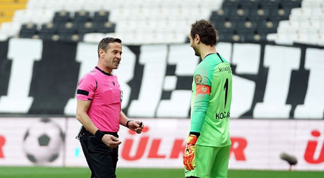 Beşiktaş maçın 1. dakikasında penaltı kaçırdı