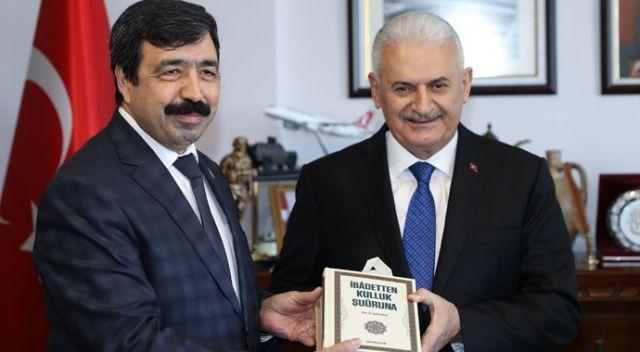 Binali Yıldırım: Hedef, İzmir'i AK Parti  hizmetiyle buluşturmak
