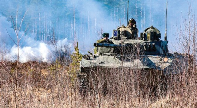 Donbass'a yığınak sürüyor! 200 bin asker sıcak hatta yerleşti