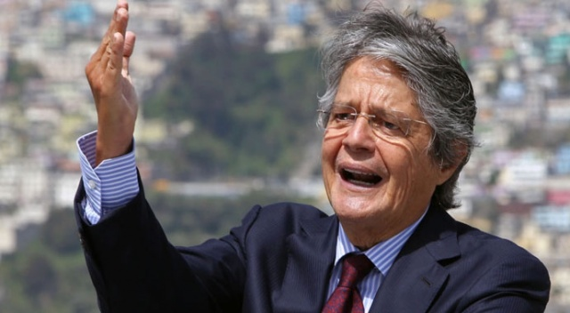 Ekvador'da devlet başkanlığı seçimini Guillermo Lasso kazandı