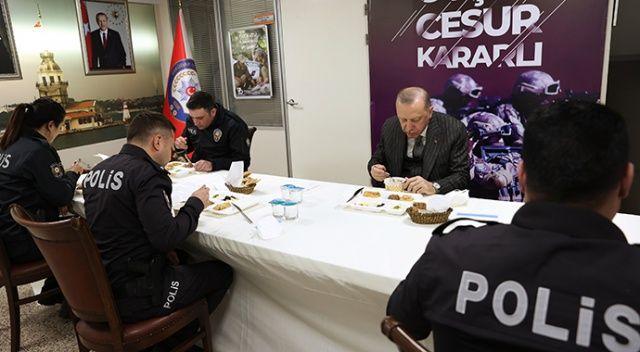 Erdoğan orucunu polislerle birlikte açtı