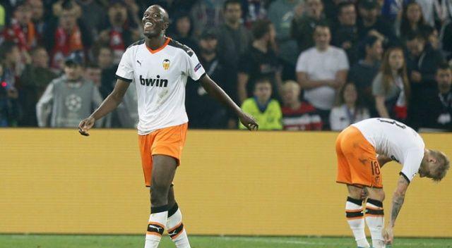 Fransız futbolcuya ırkçı saldırı! Valencia sahadan çekildi