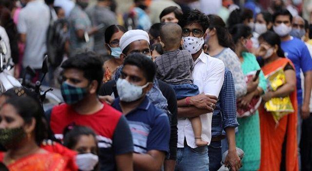 Hindistan'da günlük Kovid-19 vaka sayısı salgının başından bu yana en yüksek düzeye çıktı