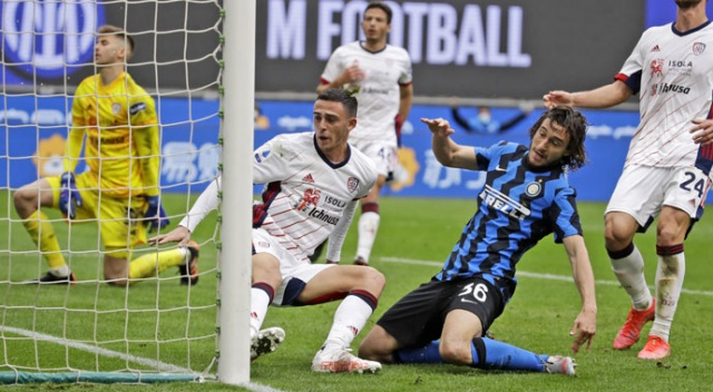 Inter, Cagliari engelini tek golle geçti