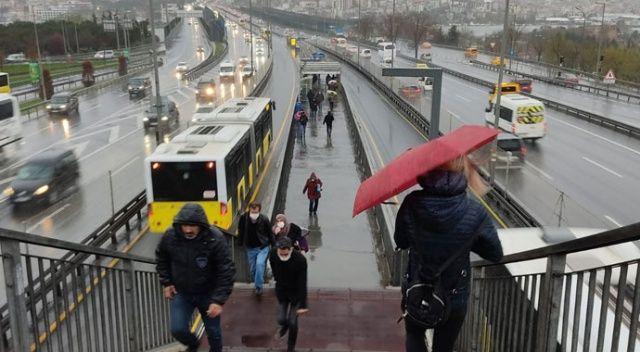 İstanbul'da soğuk ve sağanak etkisini artırdı
