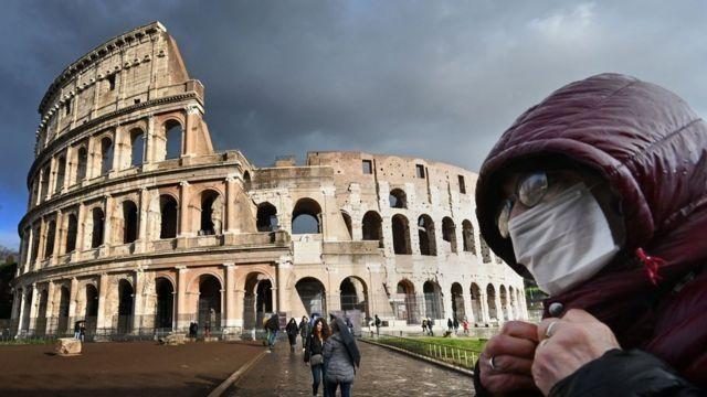 İtalya'da küçük işletme sahipleri, Kovid-19 tedbirlerini protesto etti